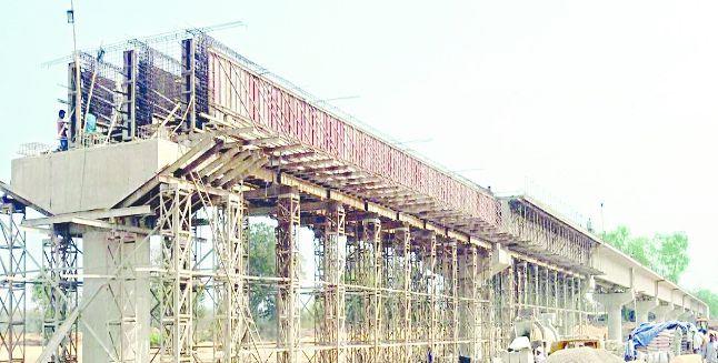 गन्यापधुरा र नवदुर्गा गाउँपालिका जोड्ने पुल निर्माण ५ वर्षदेखि अलपत्र