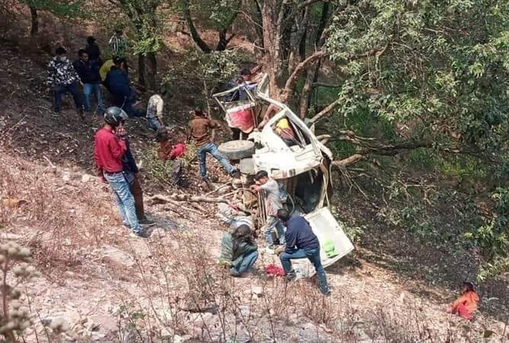 स्वर्गद्वारी जाँदै गरेको जिप दुर्घटना, दुई जनाको घटनास्थलमै मृत्यु