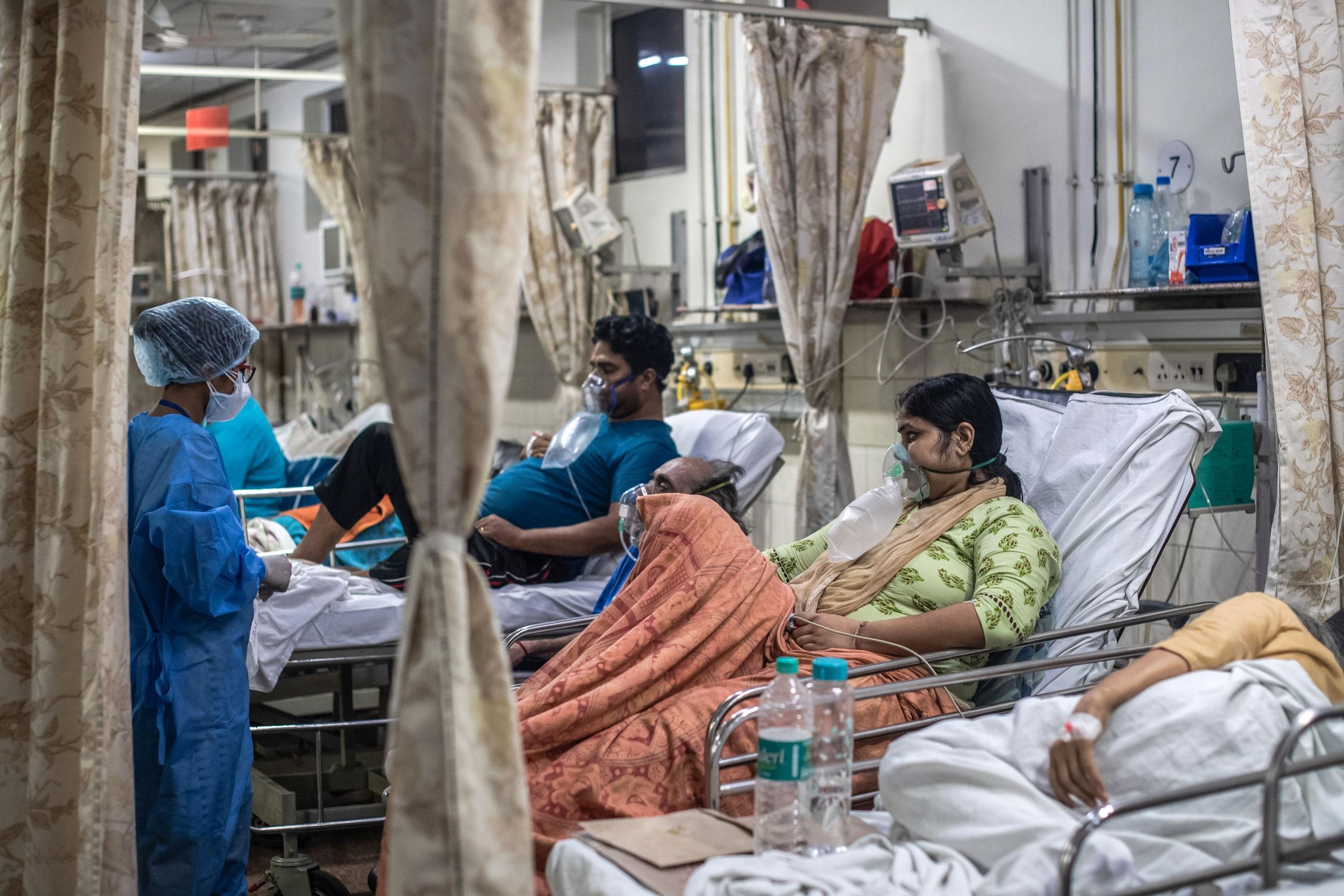 भारमा एकैदिन ४ लाख १४ हजार १ सय ८८ जनामा कोभिड १९ संक्रमण, ३ लाख ९ हजार १५को मृत्यु