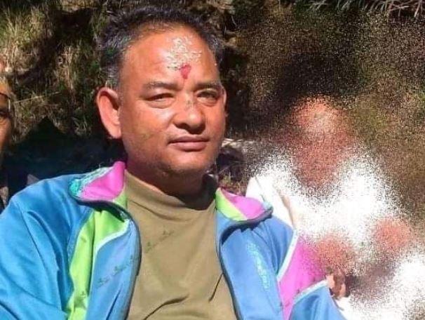 एउटै व्यक्ति नेपाली काँग्रेसको उपसभापति र नेकपा (एमाले) को सचिव